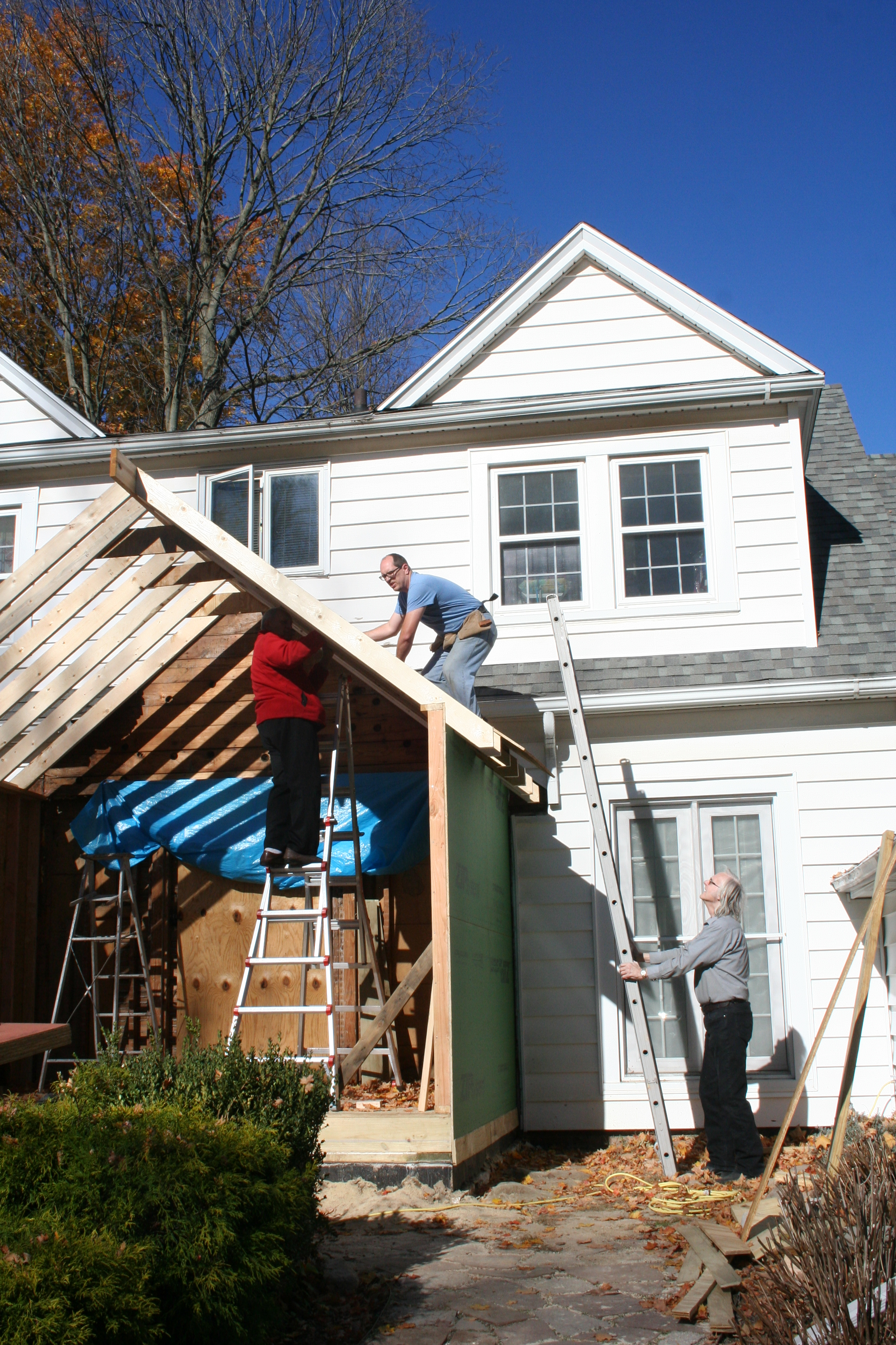 installing the roof sheathing